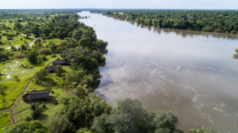 The wide Kafue in the green season