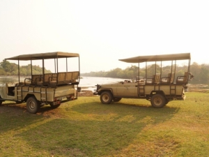 12 Game Drive Vehicles refurbished